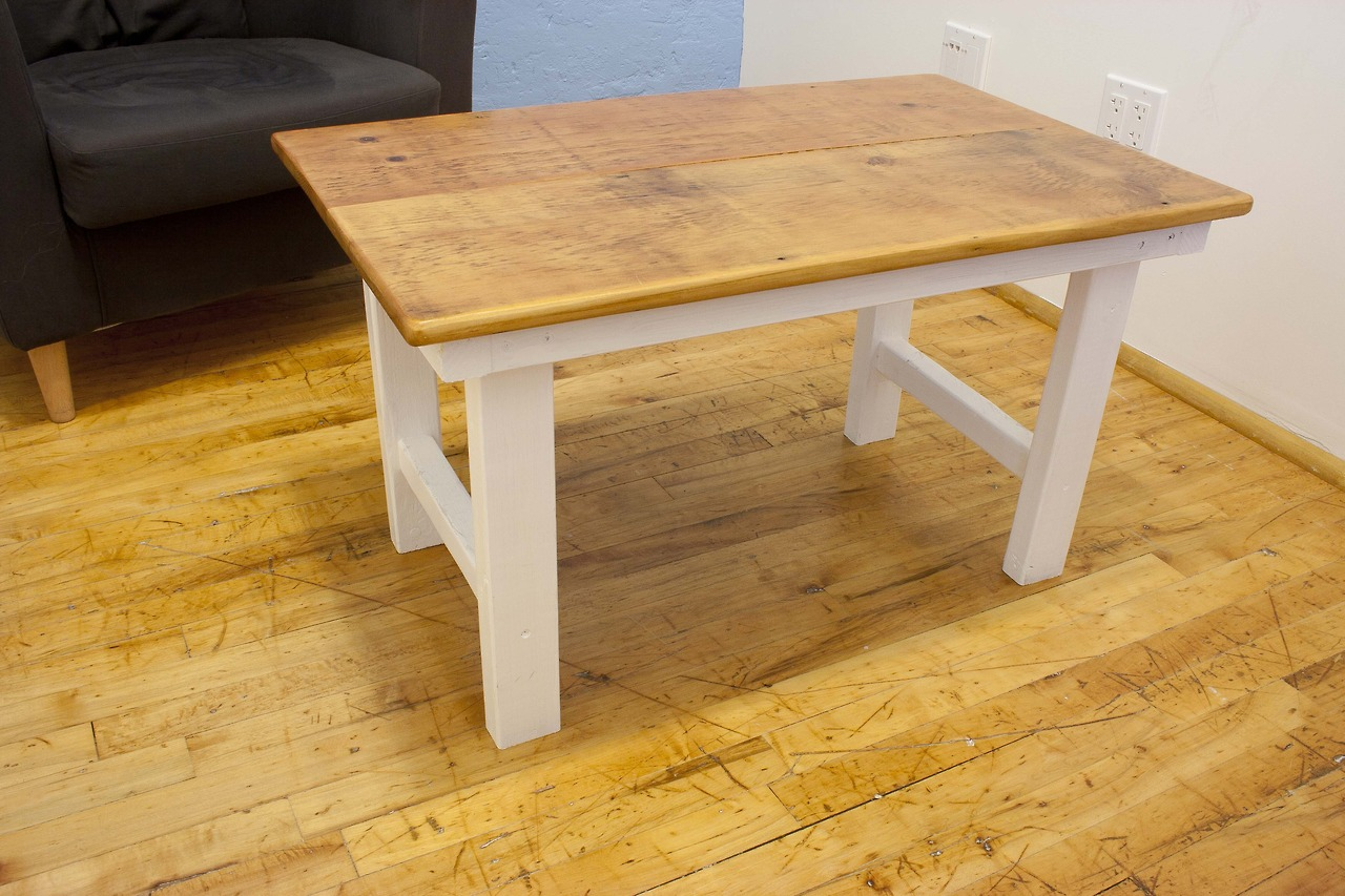 Charmant Reclaimed Yellow Pine Coffee Table